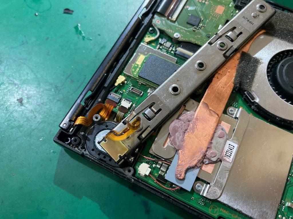 スイッチ コントローラー 片方 だけ 充電 できない