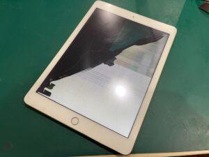 【iPad 5】液晶が割れてしまった!即日修理は当店にお任せ下さい!